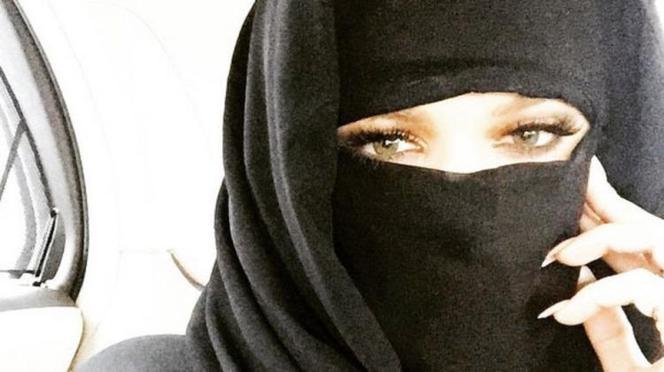 khloe-kardashian-niqab